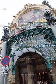 depositphotos_35663917-Municipal-House-in-Prague-Czech-Republic.jpg (682×1023)