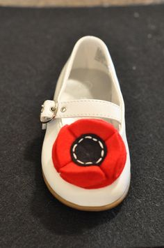 Felt Flower DIY Shoe Clip Pattern PDF TUTORIAL by Sew Love The Day. $3.00, via Etsy.