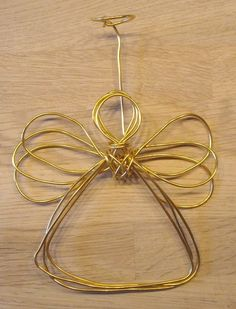 DIY Wire angel Christmas ornament. See full toturial on my blog (the link).