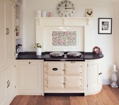 The Traditional AGA cooker, manufactured from cast iron and ready to cook whenever you are. Visit AGA living to find out more details about our range. Aga Kitchen, Shaker Kitchen, Kitchen Tiles, Kitchen Dining, Kitchen Mantle, Interior Design Inspiration, Home Decor Inspiration, Aga Surround, Cream Aga