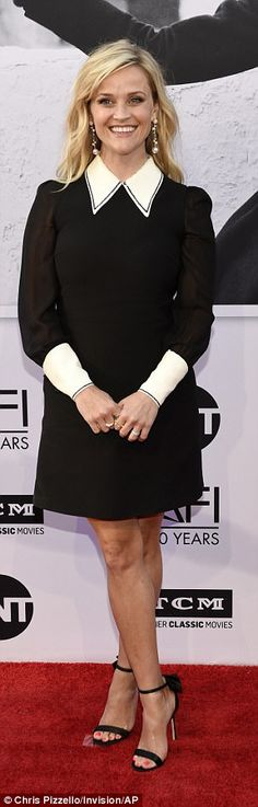 Fashionista: Reese Witherspoon looked beautiful in a black skirt with a white collar