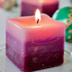 Layered Pillars This project offers an easy introduction to candle making with molds. - Will definitely give it a try! Beautiful Candles, Best Candles, Diy Candles, Pillar Candles, Beeswax Candles, Scented Candles, Candle Craft, Candlemaking, Homemade Candles