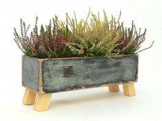Drewniana skrzynka na kwiaty, zioła