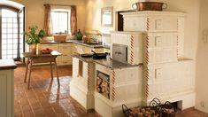 Kachľové pece a sporáky, ktoré sú dominantou vidieckych kuchýň Country Modern Home, Country Kitchen, Stove Paint, Wood Burning Cook Stove, Build Your House, Wood Fired Oven, Stove Fireplace, Best Kitchen Designs, Functional Kitchen