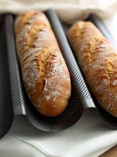 Dinkelbaguette mit Joghurt Even as a bread starter you can bake delicious baguette. This spelled baguette with yoghurt is particularly simple and still delicious. Grilled Sandwich, Sandwich Recipes, Dog Food Recipes, Bread Recipes, Ideas Sándwich, Food Dog, Bread Starter, Le Diner, Homemade Dog Food