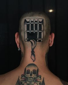 Prison escape piece done on the back of guy's head by Egbz Dirtyhands, an artist based in Rome, Italy. Le Tattoo, Dark Tattoo, Get A Tattoo, Skull Sleeve Tattoos, Head Tattoos, Body Art Tattoos, Broken Tattoo, Persian Tattoo, Tattoo Memes