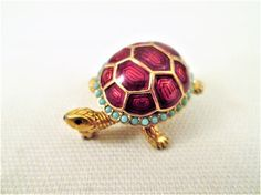 CINER Turtle Brooch Red Metallic Enamel Faux Turquoise Gold