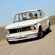 Turbo: la legende en 10 voitures. BMW 2002 Turbo 1973-75