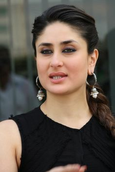 Kareena Kapoor Khan is one of the most pretty, beautiful, and gorgeous actress of Indian film industry. Who is belongs to just Kapoor family. She was born in Indian city Mumbai on 21 September Her father name is Randhir Kapoor. He is a famous Bollywood. Most Beautiful Bollywood Actress, Indian Bollywood Actress, Indian Actress Hot Pics, Beautiful Actresses, Indian Actresses, Bollywood Fashion, Kareena Kapoor Saree, Kareena Kapoor Photos, Indian Celebrities