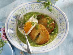 Sellerieschnitzel mit Ei | http://eatsmarter.de/rezepte/sellerieschnitzel-mit-ei
