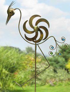 Trend Garten Deko Windrad ueFlamingo ud aus patiniertem Eisen Dieser imposante Vogel aus patiniertem