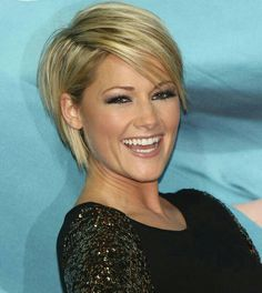 Helene fischer kurze haare Helene fischer kurze haare y belleza Short Hairstyles For Women, Cute Hairstyles, Hairstyle Ideas, Hair Brained, Short Haircut, Hairstyle Short, Great Hair, Pixie Cut, Hair Trends