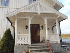 Discover recipes, home ideas, style inspiration and other ideas to try. Porch Balusters, Front Door Porch, Swedish House, Home Renovation, Sweet Home, Yard, Cottage, Exterior, Mansions