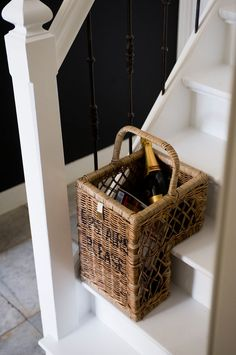 Take upstairs basket by Riviera maison Willow Weaving, Basket Weaving, Rattan, Rivera Maison, Ideas Prácticas, Decor Ideas, Basket Crafts, Entry Hallway, Entryway