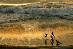 Peru- 30 Magical Photos Of Children Playing Around The World