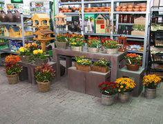 Chrysanten en rouwwerk voor allerheiligen bij Tuincentrum Van Eeckhaut - www.tuincentrumvaneeckhaut.be