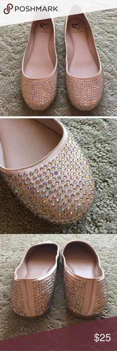 Steve Madden Crystal Flats Iridescent crystals on a blush background. EUC. Steve Madden Shoes Flats & Loafers