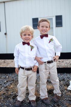 little ring bearer bow ties | Katie Nesbitt #wedding