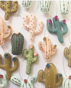 cactus craft Learn how to make these adorable felt DIY Christmas Stockings. They are simple to make and are sure to add color and fun to your Holiday decor this year. Felt Diy, Felt Crafts, Fabric Crafts, Sewing Crafts, Christmas Stockings, Christmas Crafts, Christmas Tree, Christmas Presents, Cactus Craft