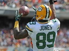 Packers receiver James Jones (89) catches a touchdown against the Bears in the opening game (31-23 Win)