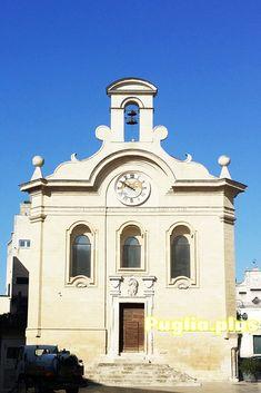 Jede Menge Promis haben in Apulien geheiratet - nicht nur weil es so tolle Ferienanlagen und Masserias gibt, sondern auch wegen der hübschen Kirchen und Feiermöglichkeiten. Kirchen, Vacation Resorts, Cruises, Getting Married, Celebs, Amazing