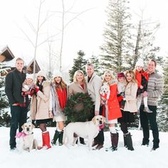 Love how my moms Christmas card photo turned out of the whole fam! I can NOT believe we managed to get three babies and three naughty pups to all look at the camera and smile in 7 degree weather! Christmas Pictures Outfits, Winter Family Pictures, Xmas Photos, Family Pics, Christmas Card Photos, Large Family Pictures, Christmas Outfits, Winter Photos, Extended Family Photos