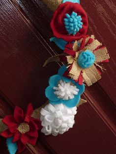 Flower and burlap wreath - perfect for spring decor!