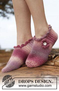 Socks & Slippers - Free knitting patterns and crochet patterns by DROPS Design Crochet Slipper Pattern, Knitted Slippers, Crochet Slippers, Crochet Patterns, Ruby Slippers, Knitting Patterns, Free Crochet, Crochet Hats, Free Knitting