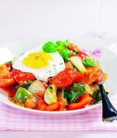 Grönsakssofrito med förlorade ägg