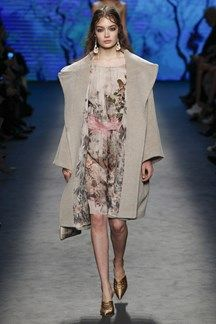 Alberta Ferretti A/W 2016 Milan Fashion Week