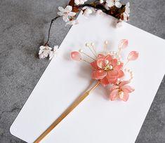 Korean Accessories, Neck Accessories, Kawaii Accessories, Oriental Dress, Kimono Design, Jet Pens, Head Jewelry, Girls Fashion Clothes, Japanese Outfits