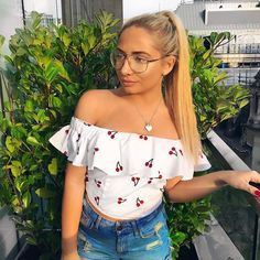 Saffron Barker, Casual Outfits, Cute Outfits, Fashion 101, Celebs, Celebrities, My Idol, Youtubers, Off Shoulder Blouse