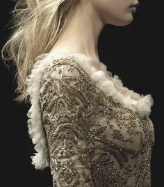 Alexander McQueen F/W (via bienenkiste) Alexander Mcqueen, Look Fashion, Fashion Details, Fashion Design, Dress Fashion, Fashion 2008, Catwalk Fashion, Beautiful Gowns, Beautiful Outfits