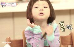 Sarang (Choo Sung Hoon daughter) on The Return of Superman korean show  so much agyeo [gif]