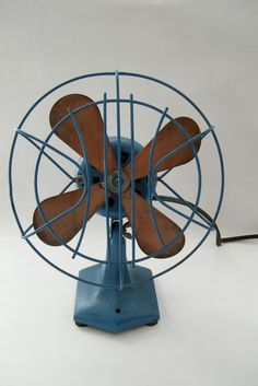 Eeeeeee...love it vintage Wagner Electric Corp French Blue Copper Blade Fan