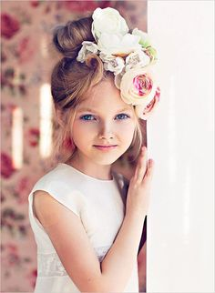 20 fabulous fashions for your flower girl!
