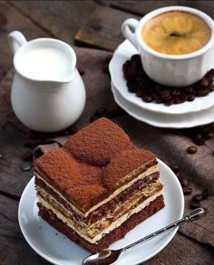 Ciasto Latte Macchiato and dessert Mini Desserts, Just Desserts, Dessert Recipes, Latte Macchiato, Café Chocolate, Chocolate Tiramisu, Cupcakes, Coffee Cafe, Chocolates
