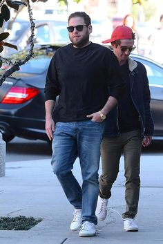 Jonah Hill wearing Saint Laurent Court Classic Leather Sneakers Saint Laurent D-Frame Acetate Sunglasses Chubby Men Fashion, Tall Men Fashion, Urban Fashion, Mens Fashion, Outfits For Big Men, Mens Casual Dress Outfits, Drake Fashion, Mode Plus, Plus Size Men