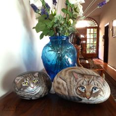 Hand painted with acrylic paint on stone by Ernestina Gallina
