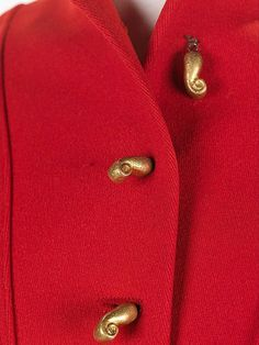 How to Make Your Outfit Look Expensive buttons