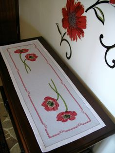 Embroidery Jewelry, Embroidery Stitches, Bargello, Silk Painting, Cross Stitching, Table Runners, Poppies, Christmas Crafts, Rugs