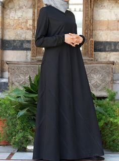 SHUKR USA   Applique Pleated Dress