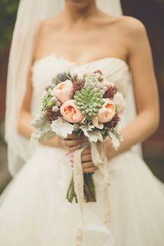 Bouquet couleurs tendres -style romantique