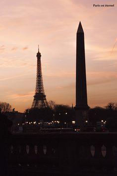 La Tour Eiffel et l'Obélisque de Louxor.