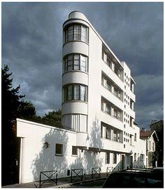 Streamline Condominium in Paris, built around 1935