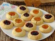 Reçel Dolgulu Kurabiye Mini Cupcakes, Cheesecake, Desserts, Food, Pies, Tailgate Desserts, Deserts, Cheesecakes, Essen