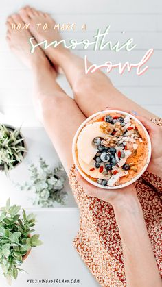 Dairy-Free Smoothie Bowl: How to make a creamy, thick, nutritious smoothie bowl. Packed with veggies and healthy fats! Easy Dinner Recipes, Easy Meals, Breakfast Recipes, Smothie Bowl, Beef Appetizers, Healthy Recipes, Delicious Recipes, Healthy Fats, Healthy Desserts