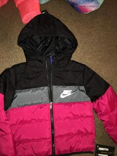 check out 3d118 920f0 this Nike bomber 😍 Fur Headband, Nike Tops, Nike Outfits, School Outfits,