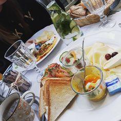 Wir haben euch nach euren liebsten Brunch-Lokalen in Niederösterreich gefragt. Und hier sind sie – Moizeit! Lokal, Brunch, Ethnic Recipes, Food, Vacation, Essen, Meals, Yemek, Eten