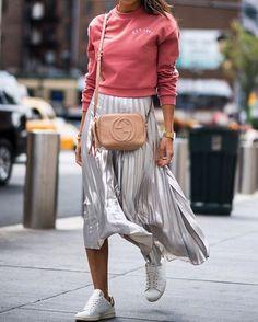 a860c7950f Sieh dir dieses Instagram-Foto von @streetrends an • Gefällt 5,279 Mal Midi  Skirt